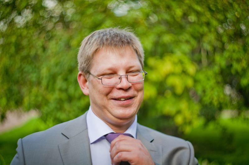Баянист и ведущий Михаил Долгушев