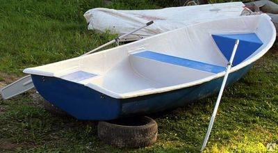 Лодка гребная «Voyage-500»