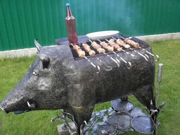 мангалы скульптурные ввиде животных.