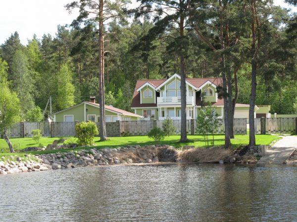Жилой комплекс на берегу озера Отрадное