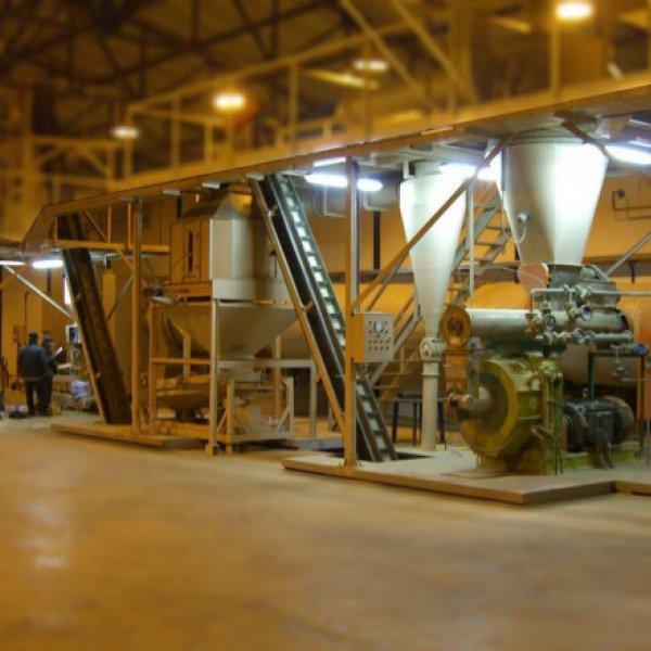Завод по производству пеллет (древесных гранул) .  Сбыт налажен.