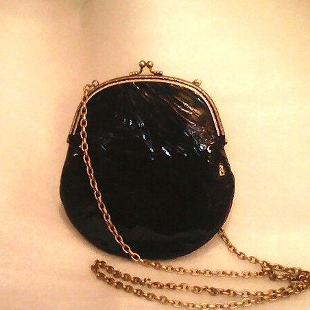 Маленькая лаковая черная сумочка авторская