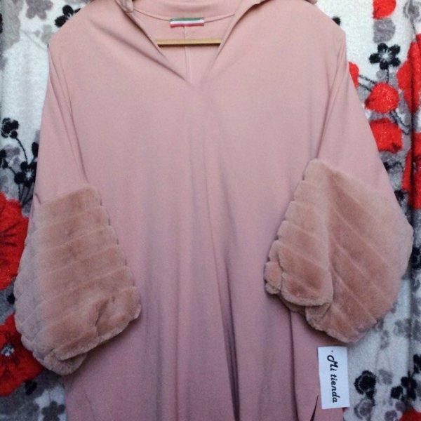 Продам новые блузы из Барселоны, так как не подошли по размеру (с этикетками) !