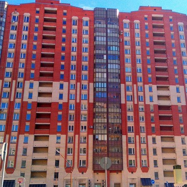 продам 2 кв 83м в Кирпичном доме на ул. Бадаева 6к1