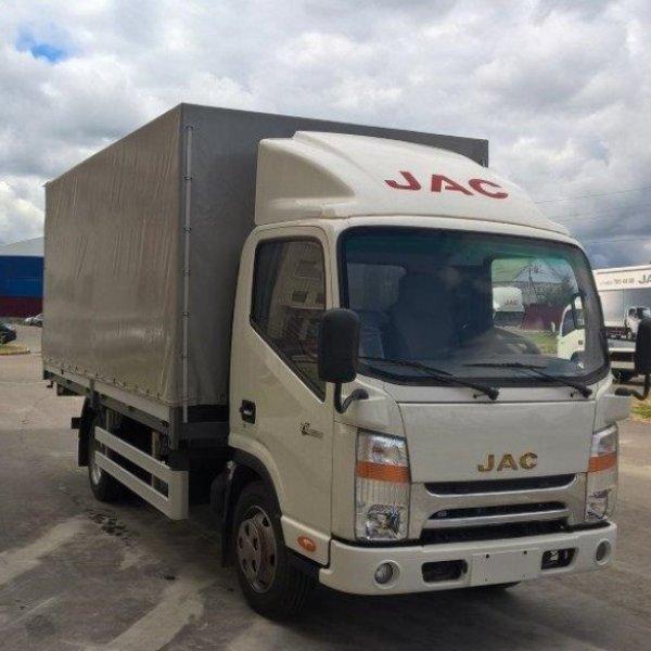 Бортовой грузовик с тентом JAC N56