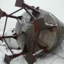Емкость нержавеющая,  объем -50 куб. м. ,  вертикальная,  с рубашкой