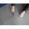 Сборное напольное пластиковое покрытие с замковым соединение плиток